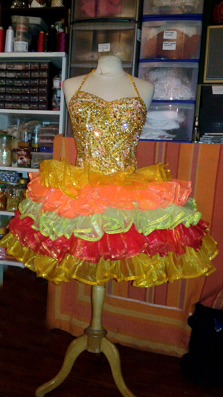 paris bell costumes - moulin rouge